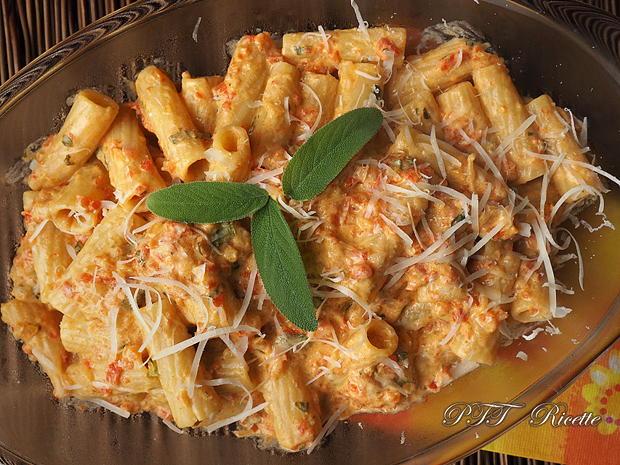 Pasta con crema di peperoni 8