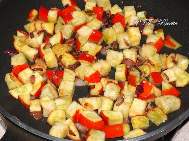Pasta con melanzane rosse di Rotonda 6