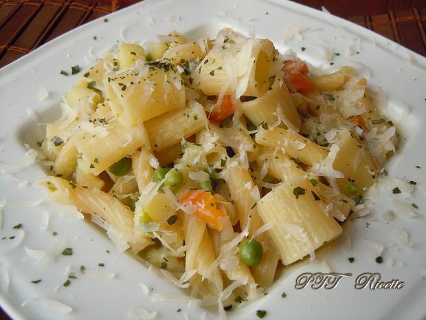 Pasta piselli e patate 2
