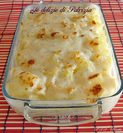Patate al forno con parmigiano e besciamella