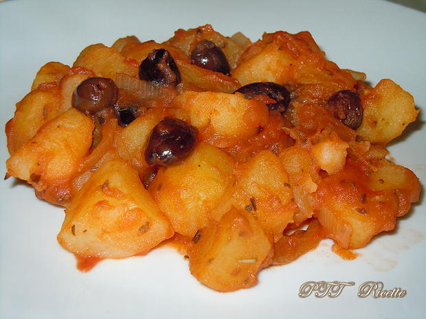 Patate in padella saporite