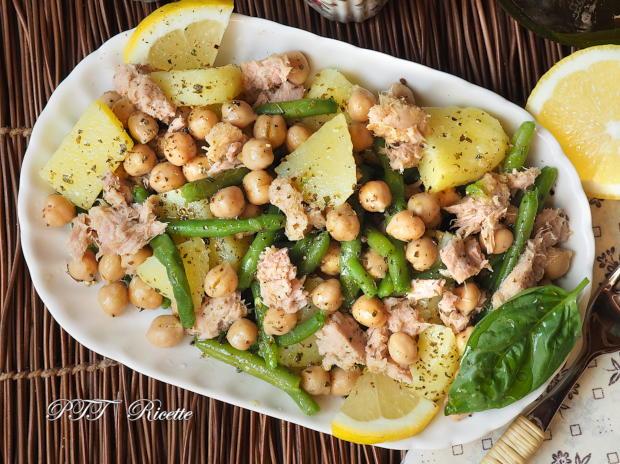 Piatto unico all'insalata con ceci, tonno, patate, fagiolini 3
