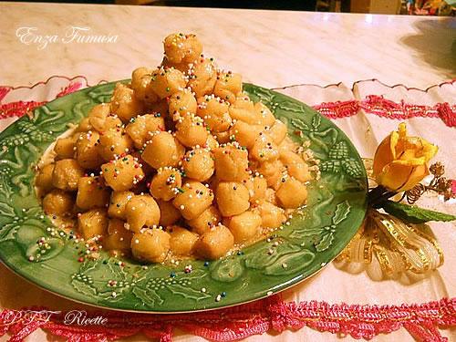 Pignolata siciliana