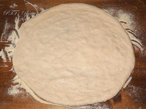 Pizza napoletana con semola e 24 ore lievitazione 4