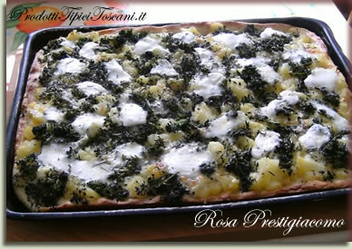 Pizza patate, broccoletti e mozzarella di bufala