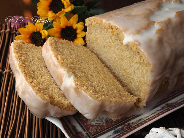 Plumcake all'acqua con glassa