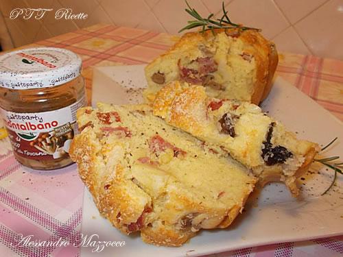 Plumcake salato con salame, provolone piccante e funghi sott'olio 2