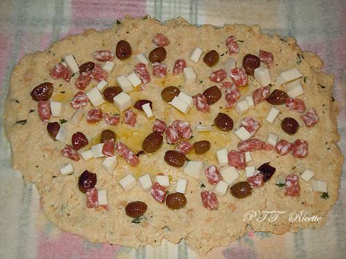 Polpettone di pane con salsiccia e provolone 1