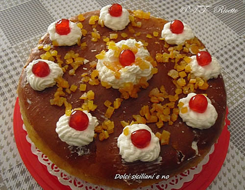 Savarin con panna