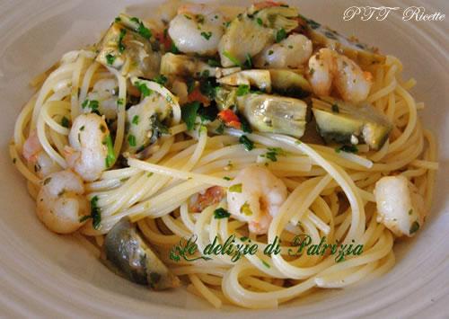 Spaghetti con carciofi e gamberetti