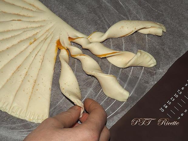 Torcetti di pasta sfoglia con marmellata 6