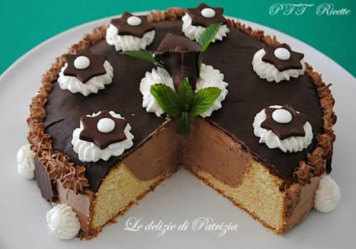 Torta alla panna con farcia di ganache montata ptt ricette for Decorazioni di torte con panna montata