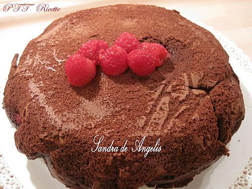Torta cioccolato e lamponi dal cuore tenero 1