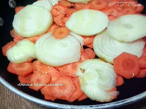 Torta di patate, carote e cipolle 6