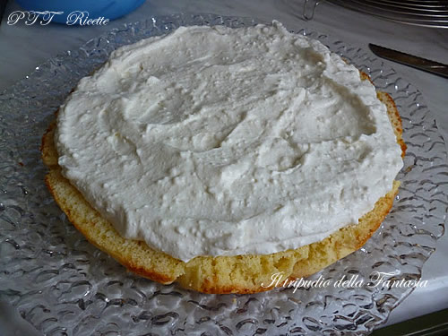 Torta di yogurt alle fragole 9