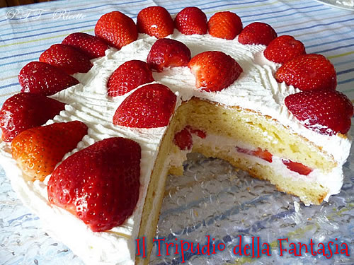 Torta di yogurt alle fragole