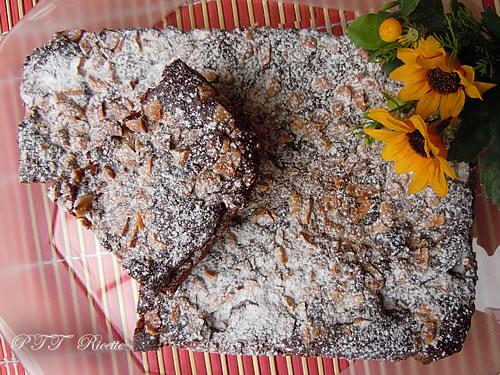 Torta dietetica al cacao con noccioline 1