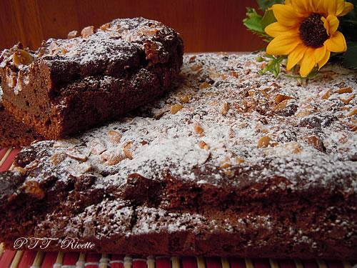 Torta dietetica al cacao con noccioline 2