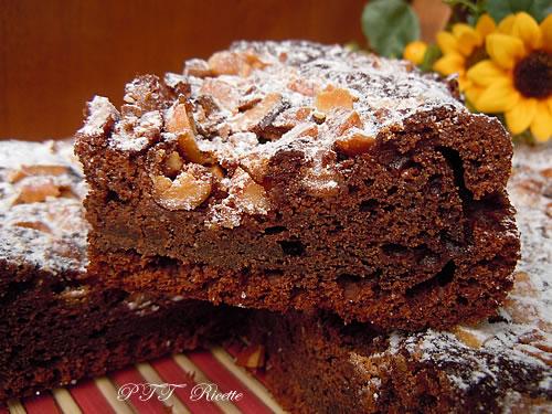 Torta dietetica al cacao con noccioline