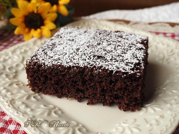 Torta dietetica al cacao senza burro 2