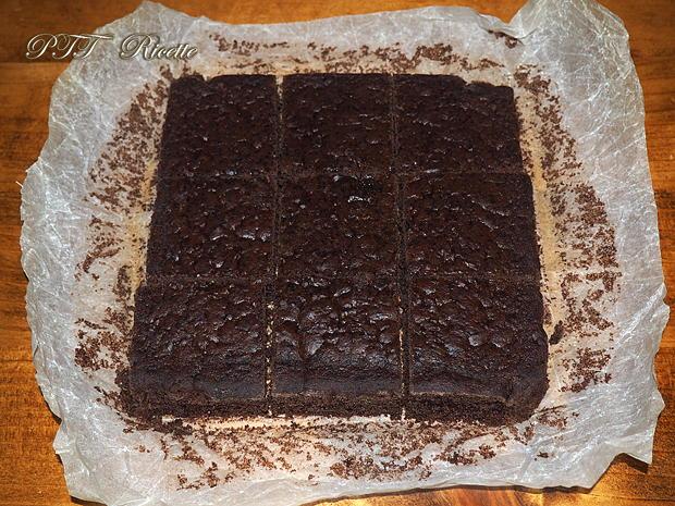 Torta dietetica al cacao senza burro 3