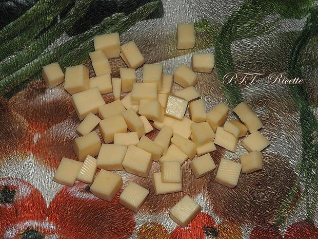 Torta salata con mortadella 4