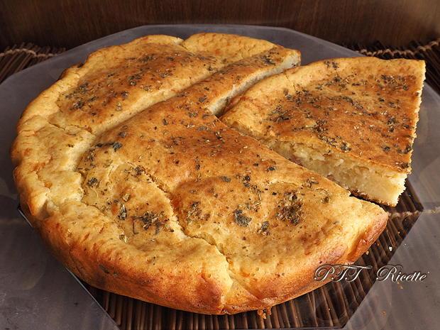 Torta salata con mortadella 8