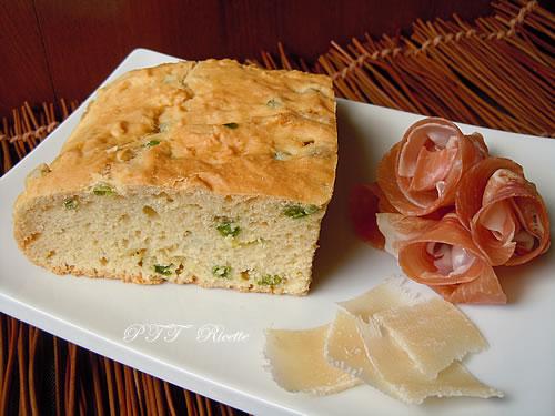 Torta salata con piselli e scalogni