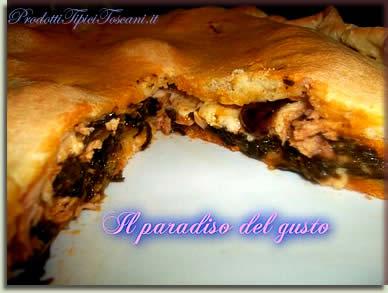 Torta salata con spinaci, tonno e olive