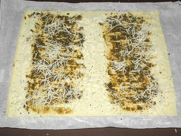 Ventaglietti di pasta sfoglia al pesto e provolone 3
